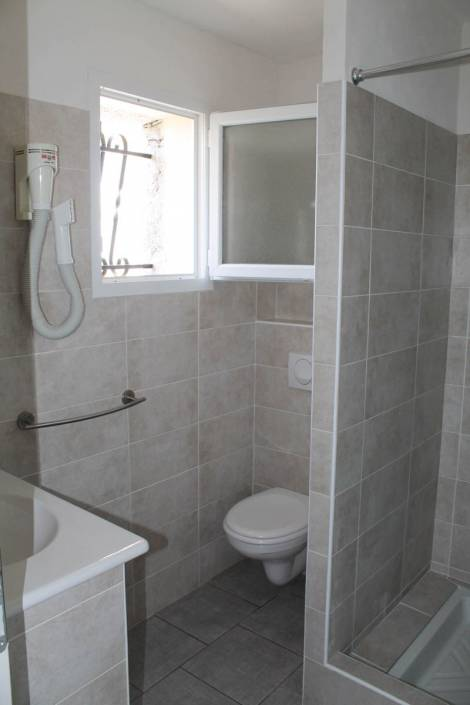 location vue mer Porto-Vecchio salle de bain