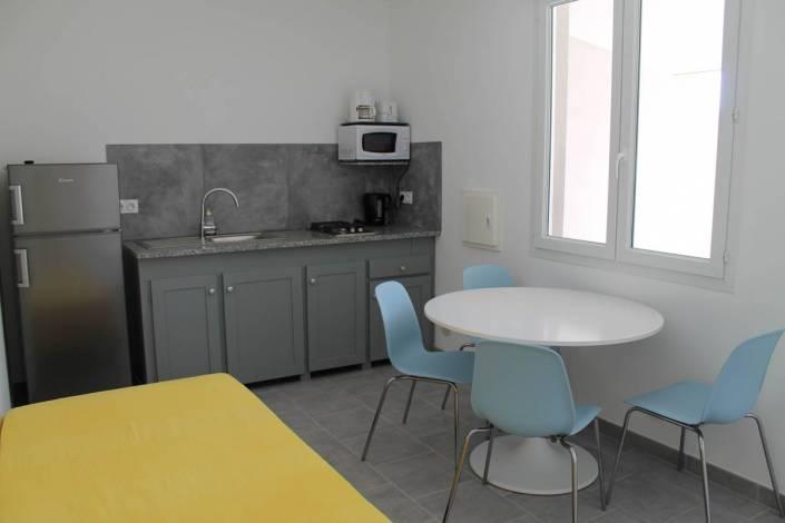 Location appartement Porto-Vecchio séjour cuisine